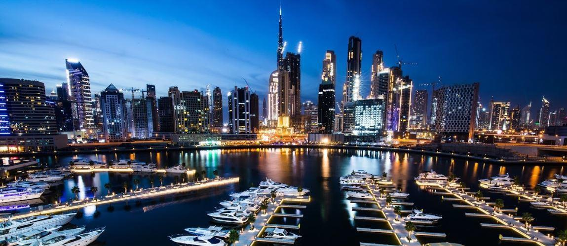 Yacht Club & Dubai Skyline Night View